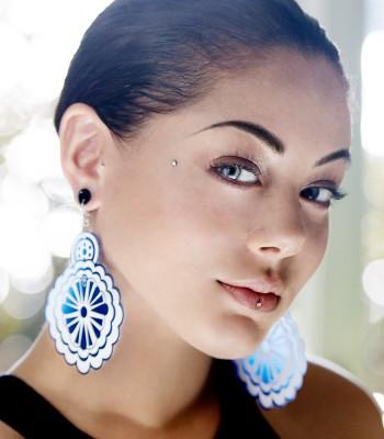 Blue-White (H)EARRINGS 02